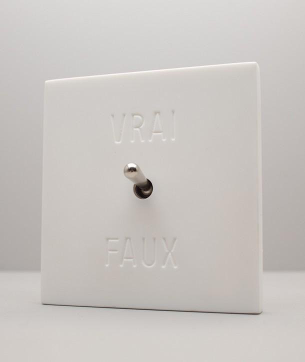 """Interrupteurs Existentiels - """"Vrai Faux"""""""